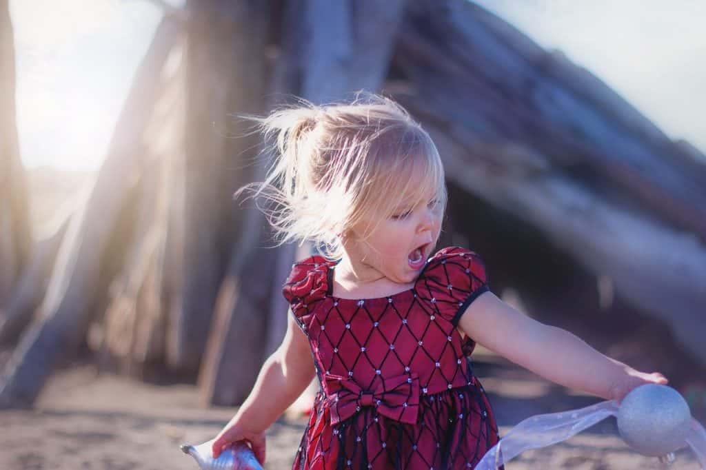 Ist es normal, wenn Kinder Selbstgespräche führen?